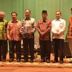 Menristekdikti bersama dengan Rektor ISI Padangpanjang dan Bupati Padangpariaman