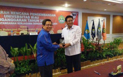 Penandatanganan MoU antara ISI Padangpanjang dengan Universitas Riau